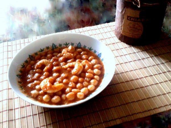 receta de garbanzos con langostinos
